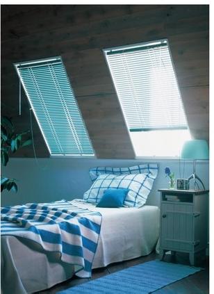 傾斜窓タイプブラインドのイメージ1